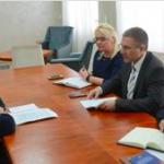 Ministar Stefanović sa Vesnom Stanojević: Žene sve hrabrije da prijave nasilje u porodici